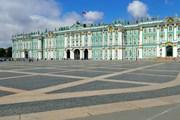 Брусчатке на Дворцовой - всего сорок лет. // BigRoloImages, shutterstock.com