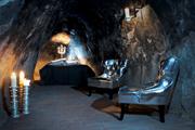 Номер в отеле-пещере Sala Silvermine  // globaltravelerusa.com