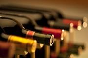 Сейчас отдыхающие покупают алкоголь за пределами здравниц. // Christian Delbert, shutterstock.com