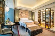 Номер в Wanda Reign on the Bund  // wandahotels.com