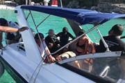 За несоблюдение запрета туристке грозит штраф или тюрьма. // phuketgazette.net