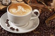 Чашка кофе подорожает, в среднем, на 10-20 центов. // hercampus.com