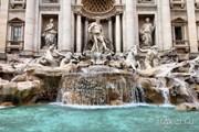 Фонтан Треви притягивает миллионы туристов ежегодно. // Tupungato, Shutterstock.com