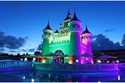 На территории отеля есть сказочные замки. // Министерство туризма Доминиканы