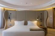 Номер в отеле Círculo Gran Vía // marriott.com