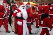 В прошлом году Деды Морозы устроили забег. // kudamoscow.ru