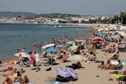 Пляж в Каннах // Eric Gaillard, Reuters