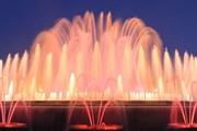 Светомузыкальный фонтан в центре Барселоны // meet.barcelona.cat