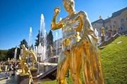 Петергоф открывает летний туристический сезон.