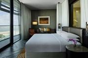 Номер в Grand Hyatt Abu Dhabi Hotel & Residences Emirates Pearl  // hyatt.com