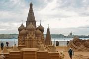 Копия знаменитого храма с острова Кижи, созданная из песка. // vk.com/sandfestspb