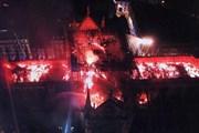 Собор Парижской Богоматери в Париже сгорел практически полностью