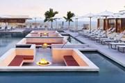 Один из бассейнов нового отеля. // hardrockhotelloscabos.com