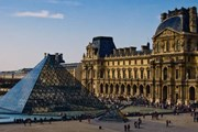 Парижский Лувр закрыт из-за коронавируса